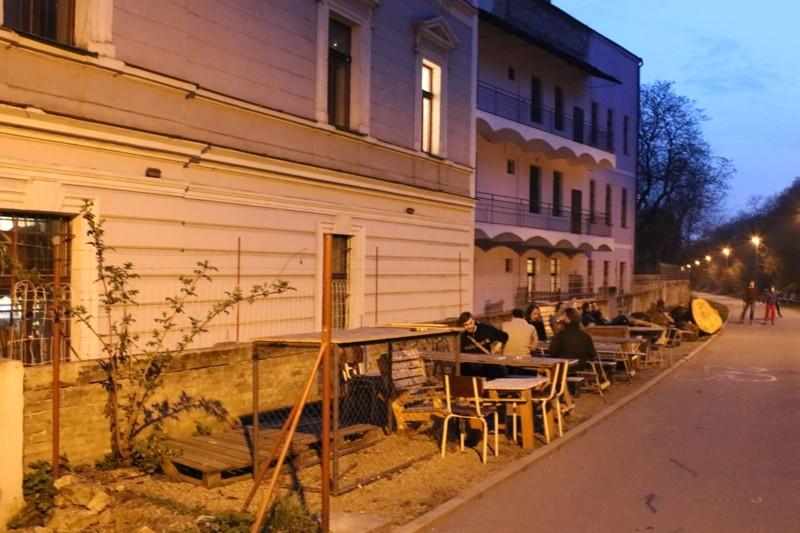 zahradkaBajkazylunain-line-draze.jpg