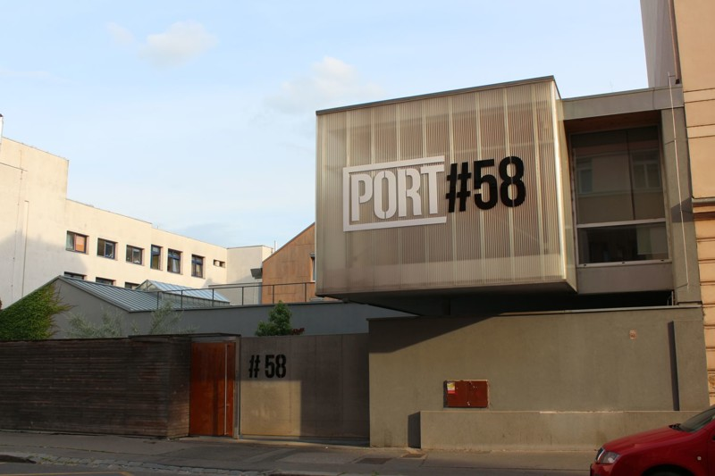 Port58zulice.jpg